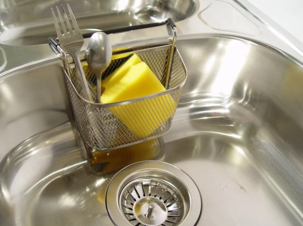 best way to clean stainless steel sink